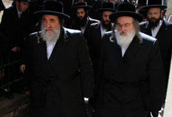 Successors as Vishnitzer Rebbes: Rabbi Yisroel Hager and Rabbi Menachem Mendel Hager at the funeral.