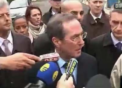 French Interior Minister Claude Guéant describes the raid on gunman's apartment.