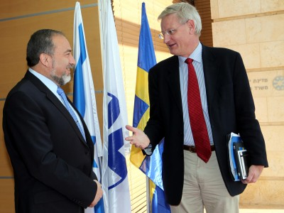 Israeli Foreign Minister Avigdor Lieberman and his Swedish counterpart Carl Bildt