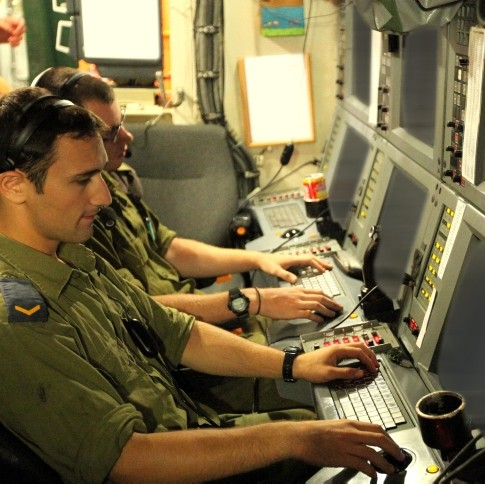 IDF Soldiers in Submarine Control Room Moshe Shai Flash90
