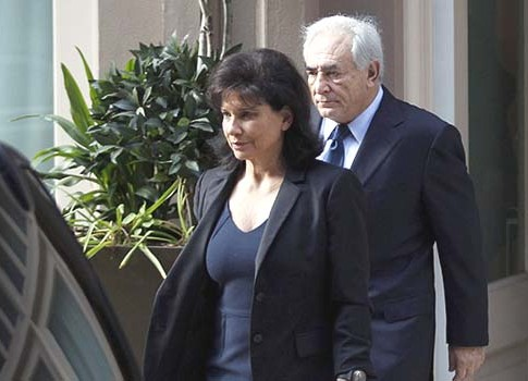 Former IMF chief Dominique Strauss Kahn with his wife, Anne Sinclair.