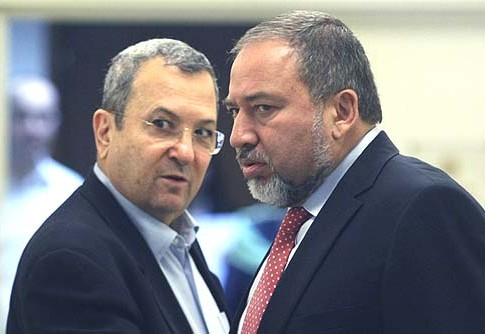 Foreign Minister Avigdor Liberman (R) with Defense Minister Ehud Barak.