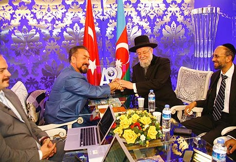Adnan Oktar meeting with former Chief Rabbi of Israel, Rabbi Yisrael Meir Lau in Istanbul, October 18, 2011.