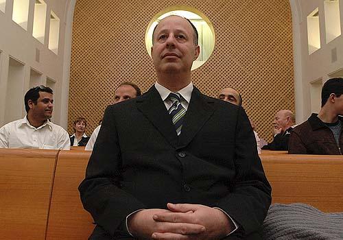 Kadima MK Tzahi Hanegbi is looking to come home to the Likud he abandoned a few years ago.