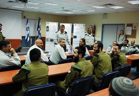Haredi soldiers who graduated from an IDF course met with the former Chief of the General Staff, Lt. Gen. Gabi Ashkenazi.