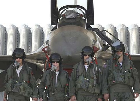 Israeli Air Force pilots in front of their F 16 fighter-bomber.