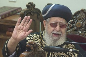 Spiritual leader of the Shas party, Rabbi Ovadia Yosef during evening prayer in his synagogue in Har Nof, Jerusalem.