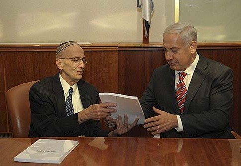 Prime minister Benjamin Netanyahu receives the report confirming the legality of Jewish settlements in Judea and Samaria from Justice Edmond Levi. July 9, 2012.