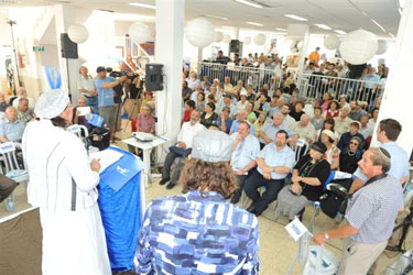 Organizer Yehudit Katzover addressing participants at the Hebron Heritage Center next door to the Machpelah Cave.