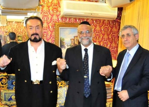 From left: Mr. Adnan Oktar, The Chief Rabbi of Geneva Rav Dr. Izhak Dayan, Dr. Mordechai Kedar