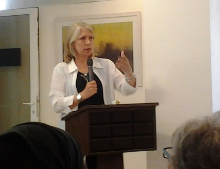 Liza Donnelly speaking at the American Center in Jerusalem