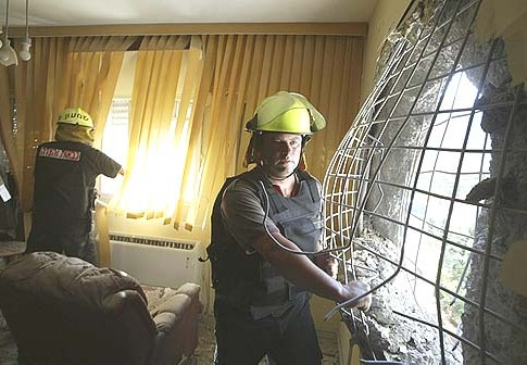 A Kiryat Shmona apartment minutes after a Hizbollah rocket attack, August 11, 2006.