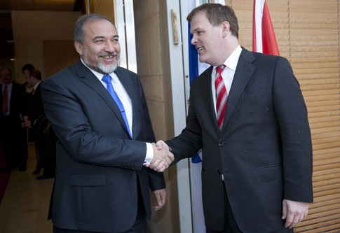 Canadian Minister of Foreign Affairs John Baird meeting with Israeli Foreign Minister Avigdor Liberman in Jerusalem earlier this year.