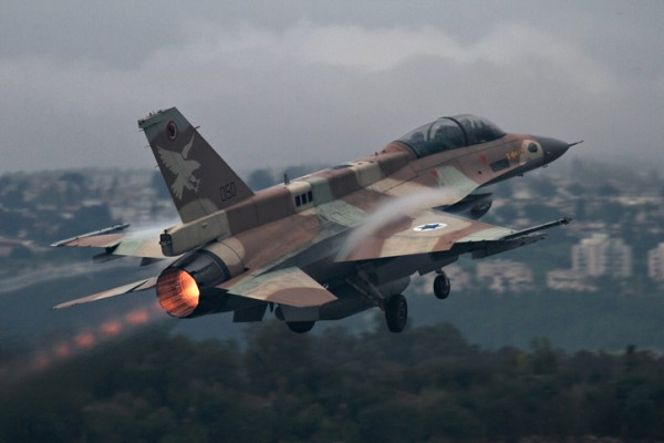 Syrian groups report Israeli airstrikes near Damascus
