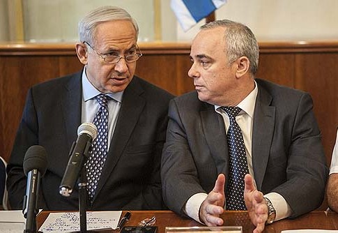 Israel's Prime Minister Benjamin Netanyahu and his Finance Minister Yuval Steinitz will attempt to hammer out a budget that would not alienate their voters.