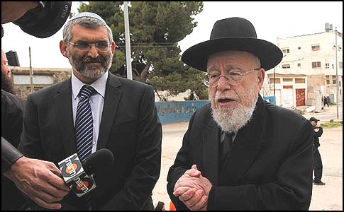 Rabbi Dov Lior and MK Michael Ben Ari at a press conference in Hebron, March 29, 2012.