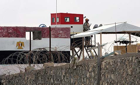 Watchtower of the Egyptian army at the border with Rafah, in the southern Gaza Strip.