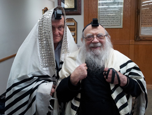 Andrew Friedman (left) with Rav Chaim Halpern.