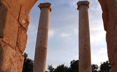 Temple columns in Beit Shean (illustration image).