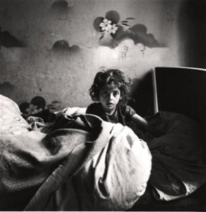 Sarah (Warsaw 1939) photograph by Roman Vishniac.  © Mara Vishniac Kohn. Courtesy International Center of Photography.