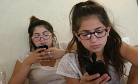 Israelis are snapping up smartphones and using them more for surfing the Internet more than another cuntry