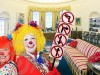 oval office with clowns