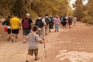 Sukkot hike raises money for Camp Koby.
