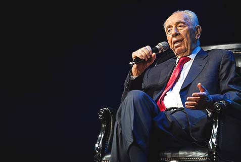 President Shimon Peres broke Esther Pollard's heart and insulted Netanyahu, all in one evening.