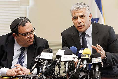 Rabbi Shay Peron (L) and Yair Lapid. How do you tell your boss when he's just made a complete idiot of himself? Very carefully…