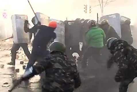 At least 19 policemen and protesters were killed as of midnight Tuesday in violent clashes in the Ukraine.