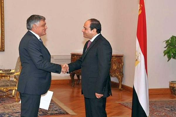 Egypt rubbishes reports about giving Sinai to Palestinians