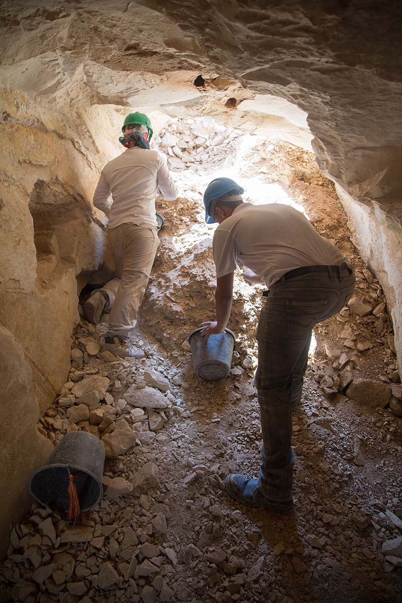 Archaeological excavations inside the ancient workshop / Photo credit: Israel Antiquities press office