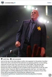 BILLY JOEL WEARS YELLOW STAR AT MADISON SQUARE GARDEN - PHOTO MYRNASUAREZ PHOTO