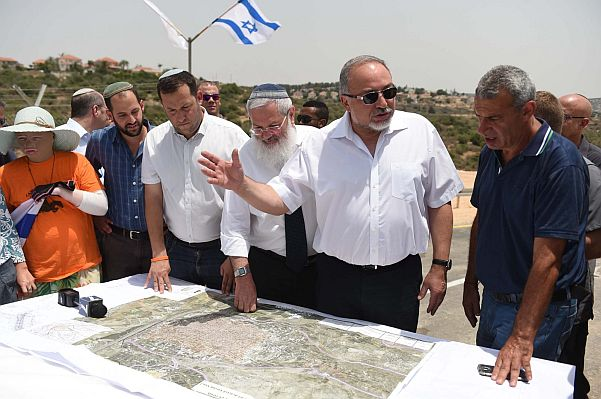 Islamic Jihadists arrested over plot to kill Avigdor Lieberman