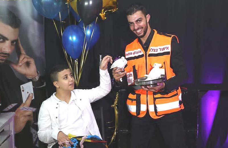 EMT/Magician Saves a Boy's Life at Own Magic Show