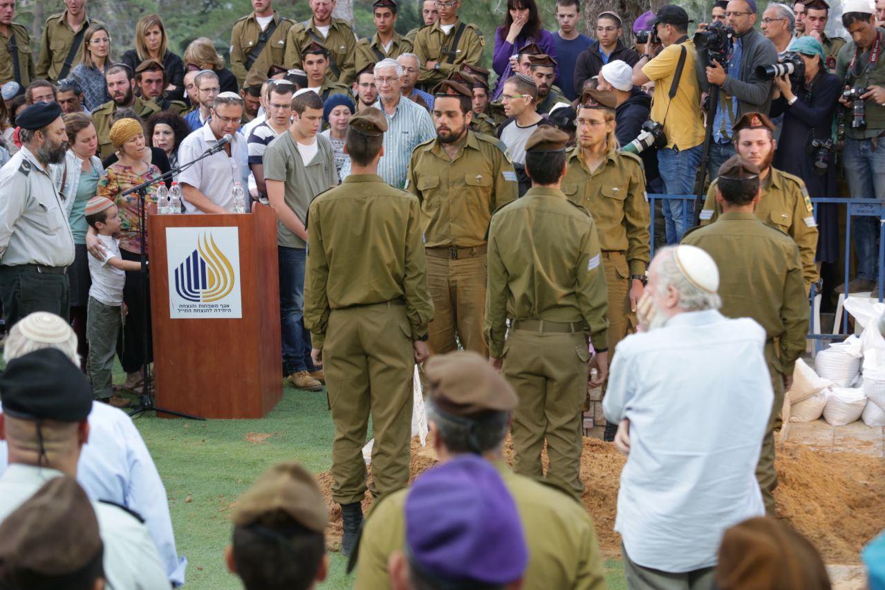 Elhai Teharlev Funeral 5