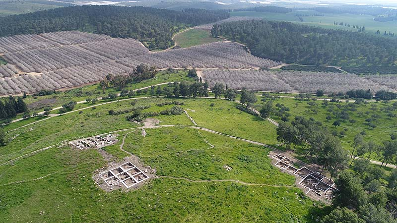 [Image: Excavation-of-Khirbet-a-Ra%E2%80%98i-%E2...klag-5.jpg]
