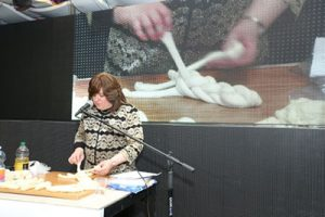 Tamar Ansh demonstrates various challah shaping techniques