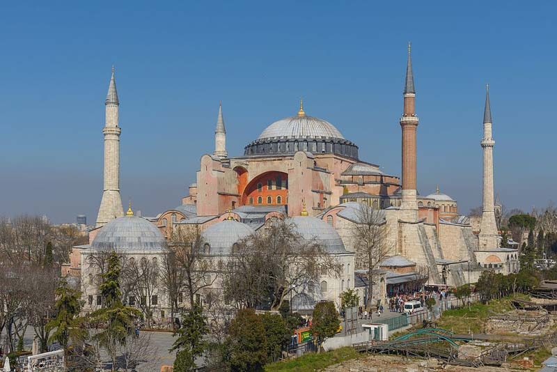 Hagia Sophia: Pope 'pained' as Istanbul museum reverts to mosque
