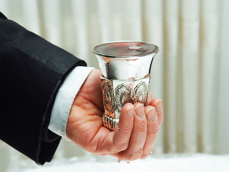 Kiddush And Havdalah: Should One Sit Or Stand? | The Jewish Press
