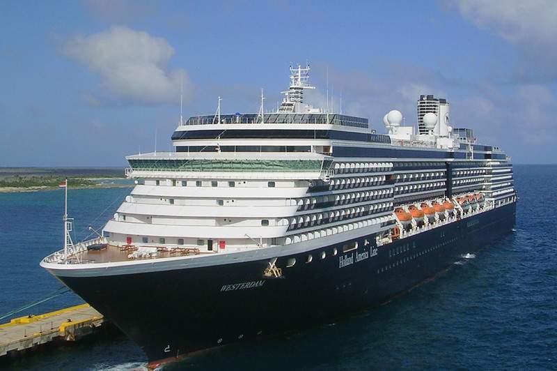 U.S. authorises consulate staff to leave Hong Kong over coronavirus