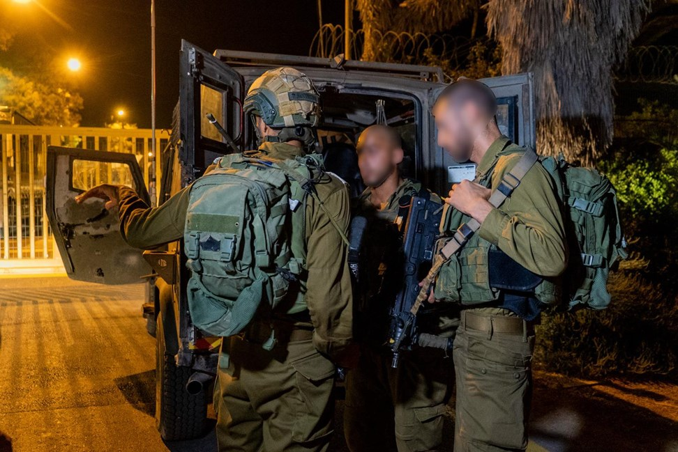 Palestinian killed, three Israeli soldiers hurt in Gaza shooting
