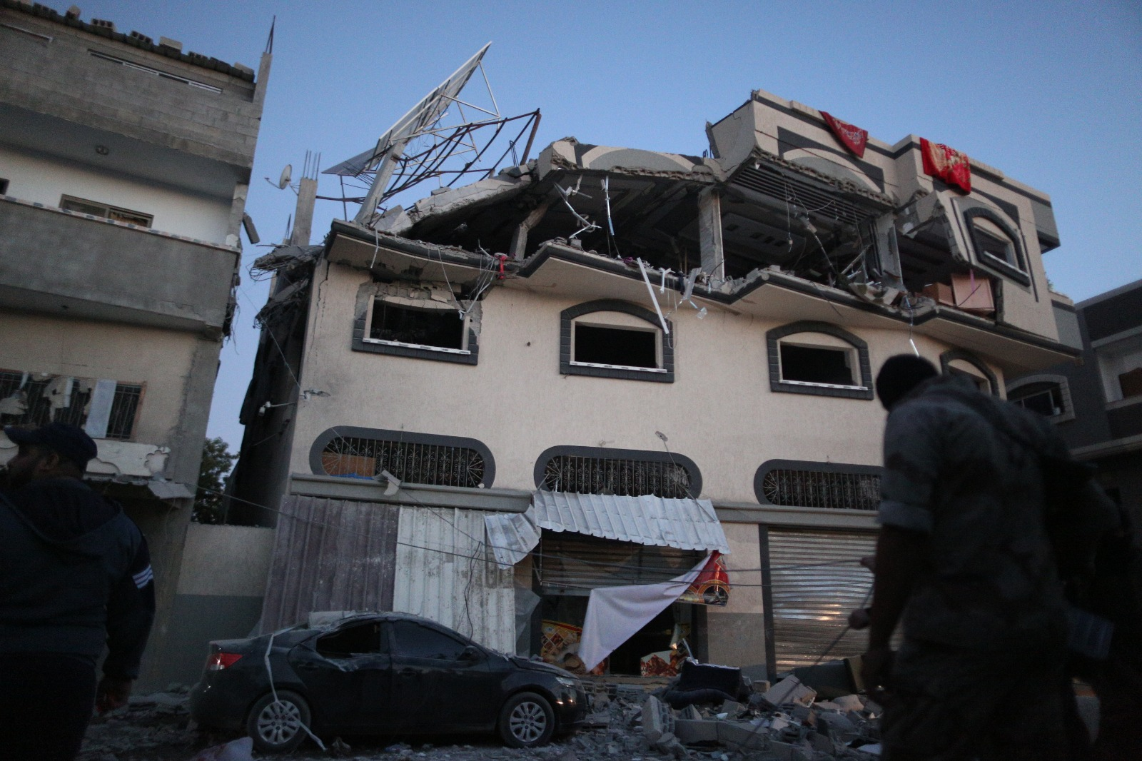 Israel targets Damascus home of Islamic Jihad official, group says