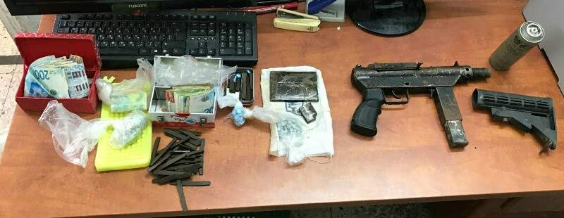 Items seized in police raid / Police Spokesperson's Office