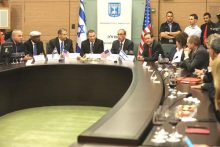 Knesset Bids Farewell to Outgoing US Ambassador Shapiro: (L-R) Minister Yuval Steinitz, MK Avraham Neguise, Ambassador Dan Shapiro, MK Nachman Shai, MK Isaac Herzog, MK Amir Peretz