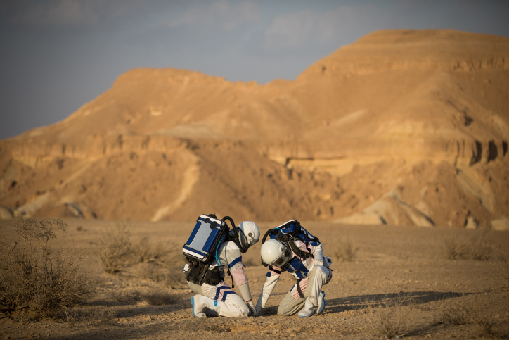 Israel to United Arab Emirates: Good Luck on Your Mars Mission