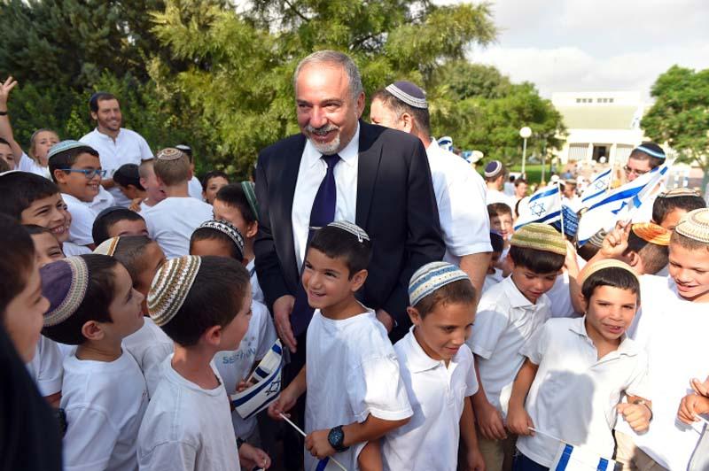 Minister of Defense Avigdor Liberman visits Israeli students in Susya, Judea