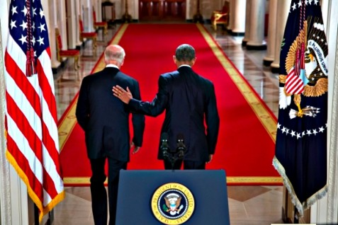 U.S. President Barack Obama walks with Vice President Joe Biden after delivering statement on the Iran nuclear agreement in the  White House, July 14, 2015.