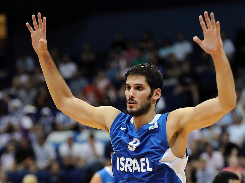 Warriors Waive Omri Casspi