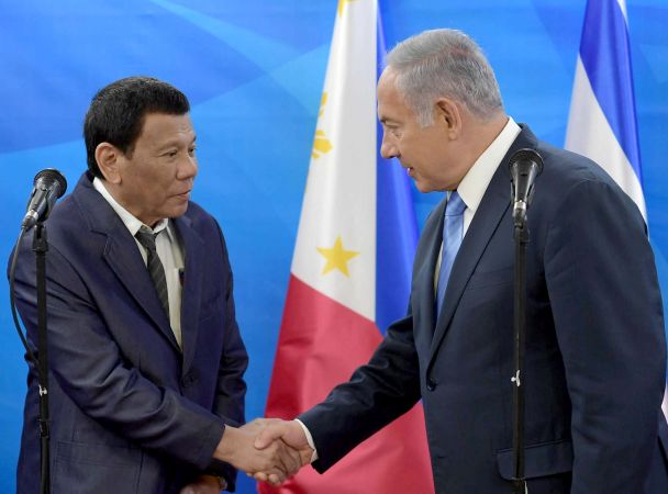 Philippines' Duterte eyes arms deals on Israel trip